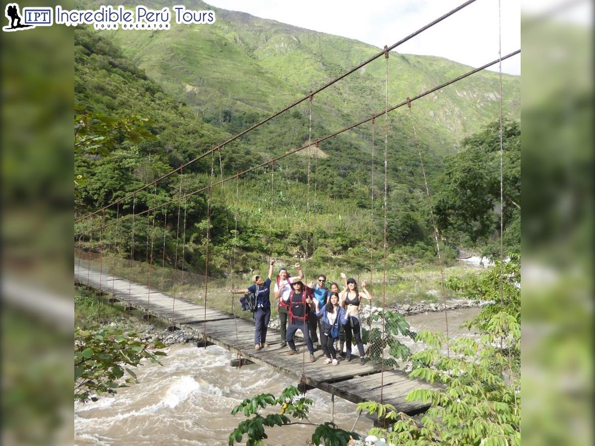 Trek to Choquequirao and Machu Picchu 8 Days 12