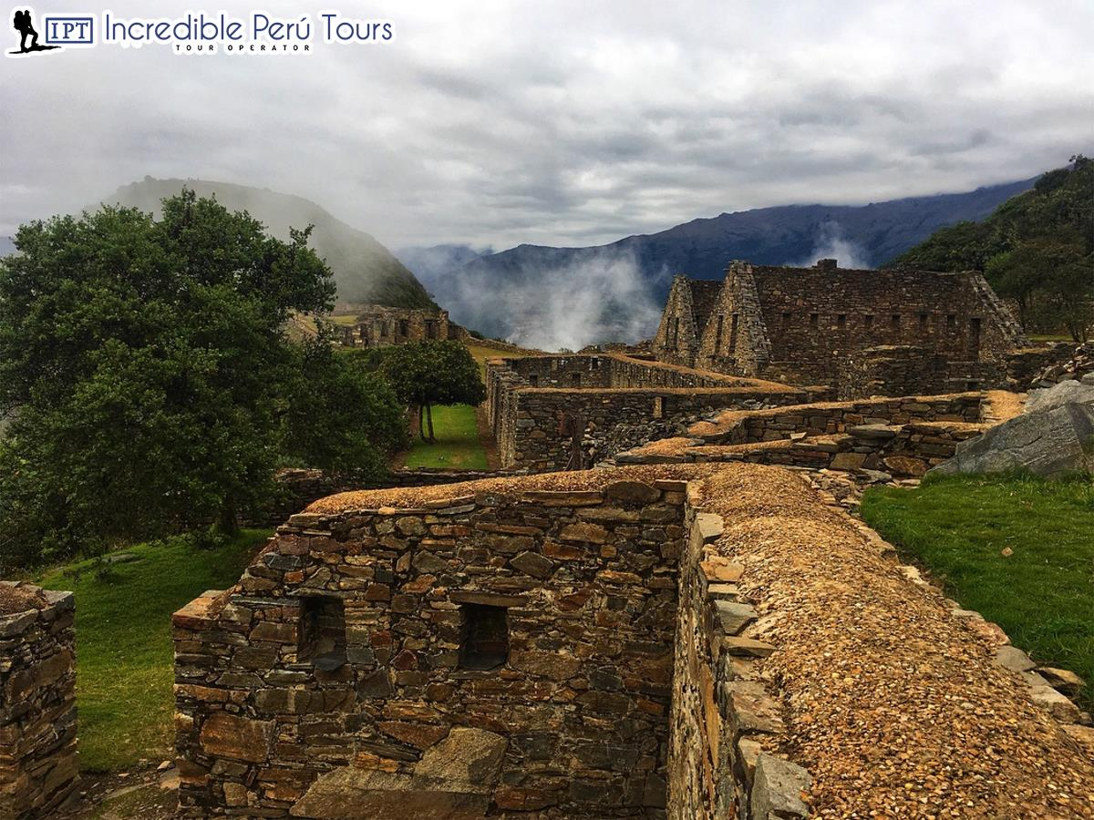 Trek to Choquequirao and Machu Picchu 8 Days 4